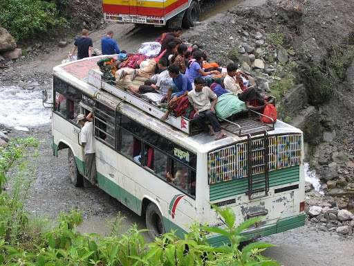 클래스가 남다른 인도 버스의 난폭 운전